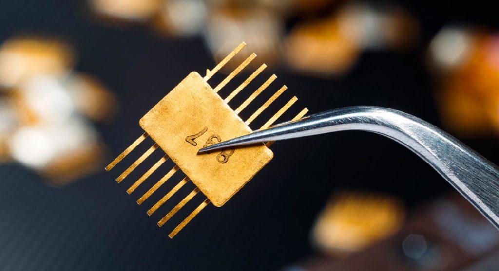 Mikrochip aus Gold